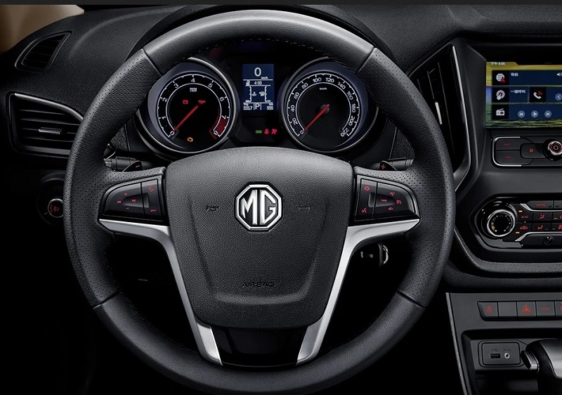 نمای داخل MG GT