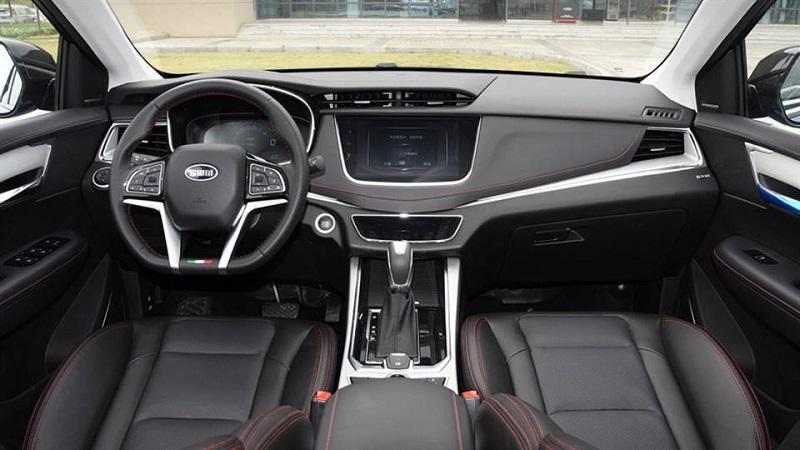 SWM G01 داخل ماشین